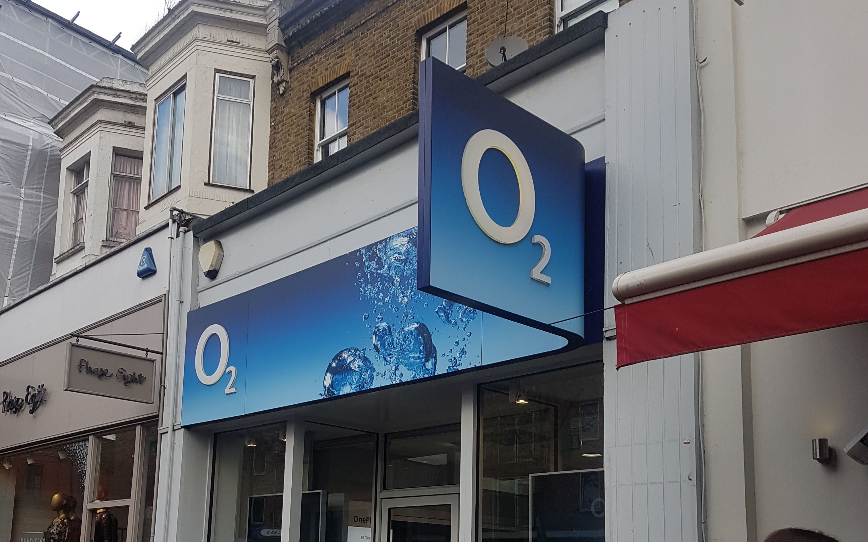 O2 announces October 5G launch