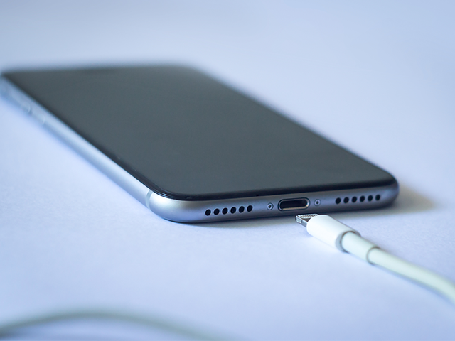 After Brexit, it's Apple's Lightning cable that will leave EU